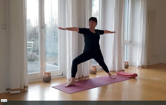 Eine online Yoga Stunde für dich (Meditation, Yoga Praxis und Entspannung)